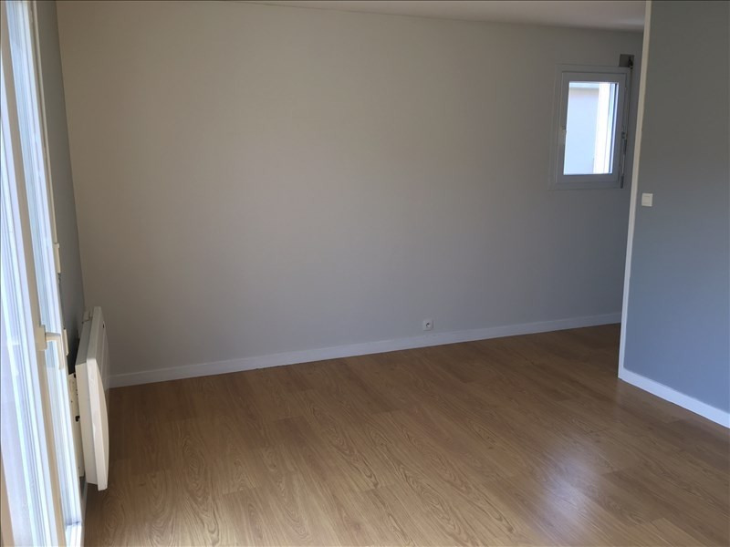 Location appartement Poitiers 485€ CC - Photo 3