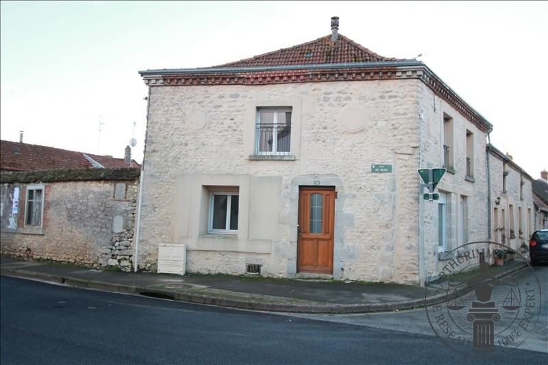 Sale house / villa Voves 99900€ - Picture 1