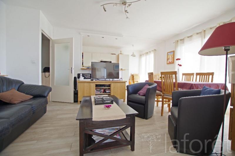 Sale apartment Cholet 99900€ - Picture 2