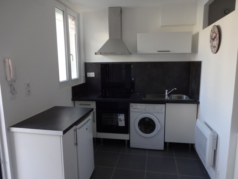 Rental apartment Entraigues sur la sorgue 380€ CC - Picture 3