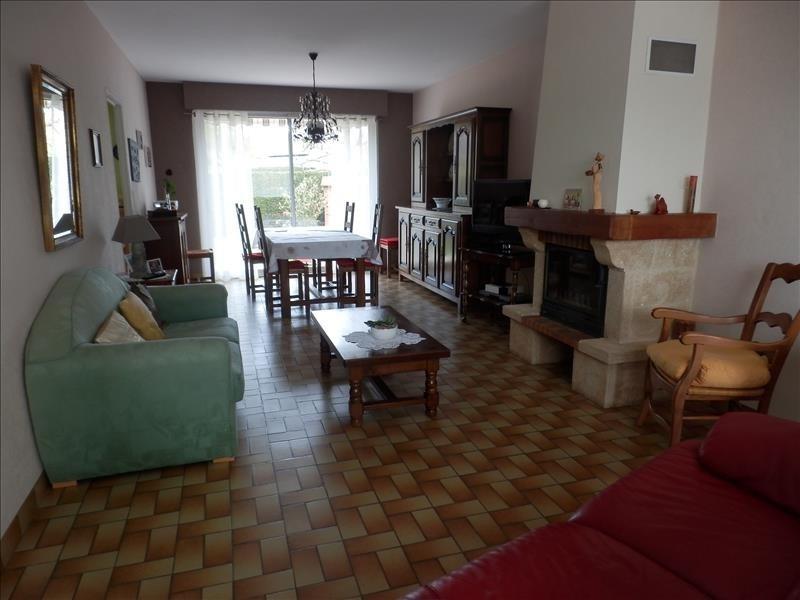 Investment property house / villa Saint jean de linieres 322000€ - Picture 6