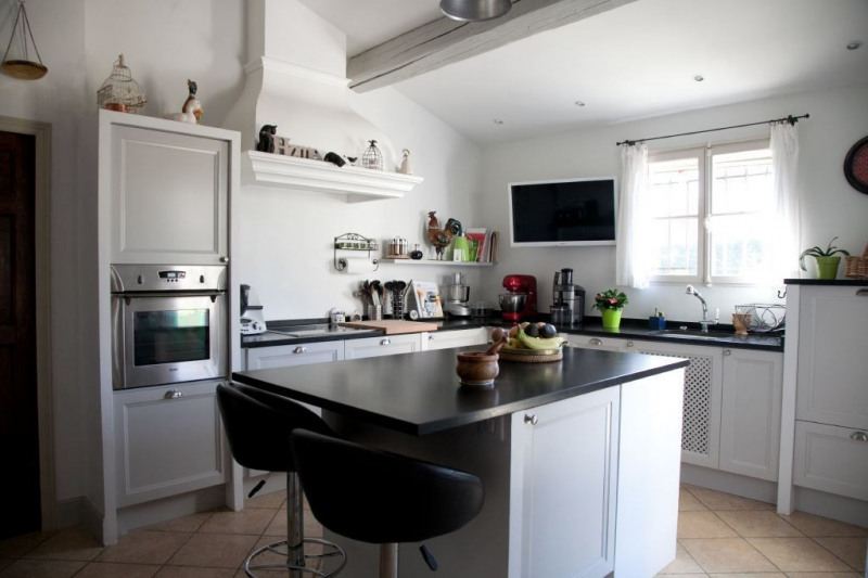 Revenda residencial de prestígio casa Rochefort du gard 625000€ - Fotografia 6