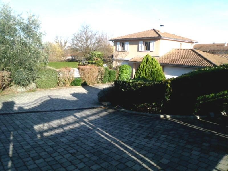 Deluxe sale house / villa Jonage 505000€ - Picture 1