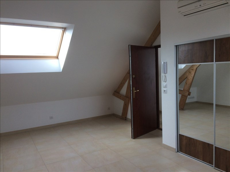 Location appartement Noyant 380€ CC - Photo 3
