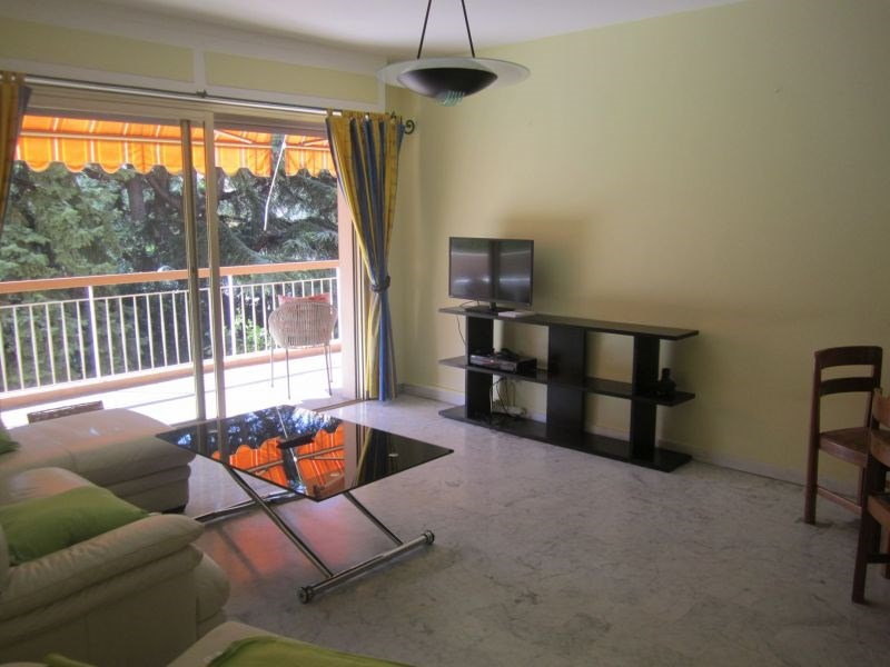 Rental apartment St laurent du var 1 550€ CC - Picture 1