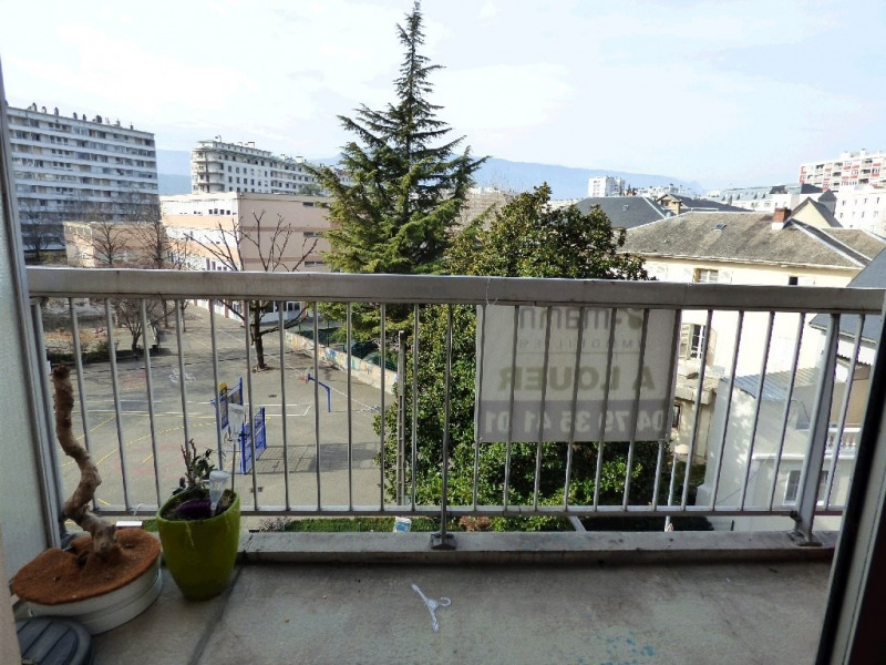 Location appartement Chambery 650€ CC - Photo 3