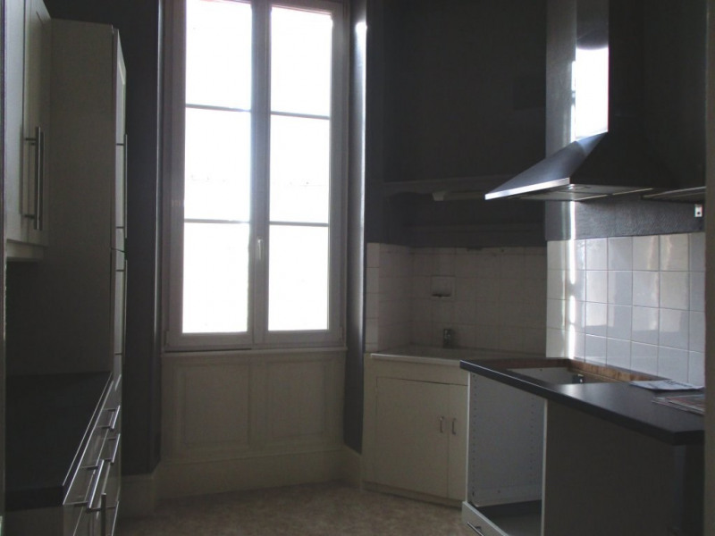 Rental house / villa Angoulême 1 400€ CC - Picture 3