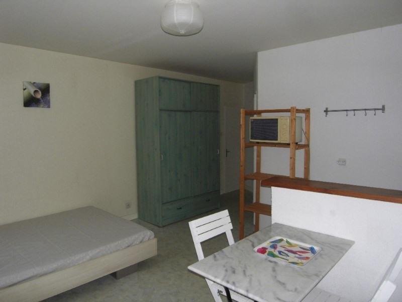 Location appartement Cognac 337€ CC - Photo 3