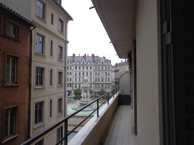 Location appartement Lyon 2ème 816€ CC - Photo 6