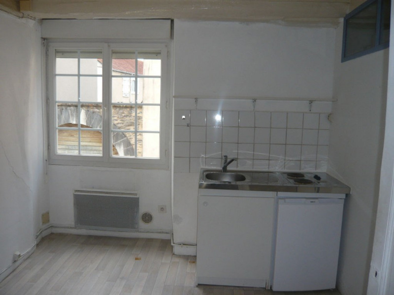 Location appartement Laval 363€ CC - Photo 3