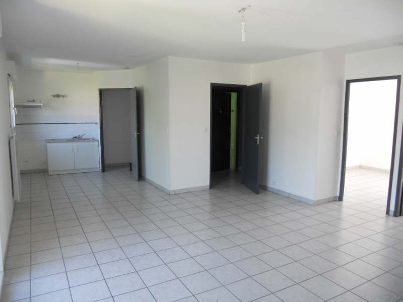 Rental apartment Bassens 632€ CC - Picture 2