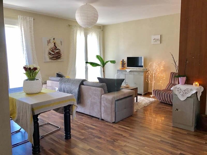 Sale apartment Royan 240000€ - Picture 1