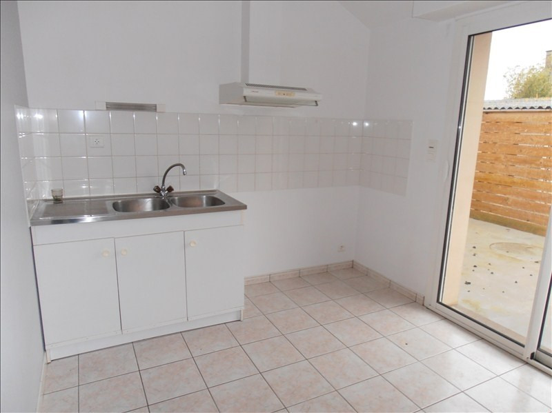 Location maison / villa Chateaubourg 600€ CC - Photo 3