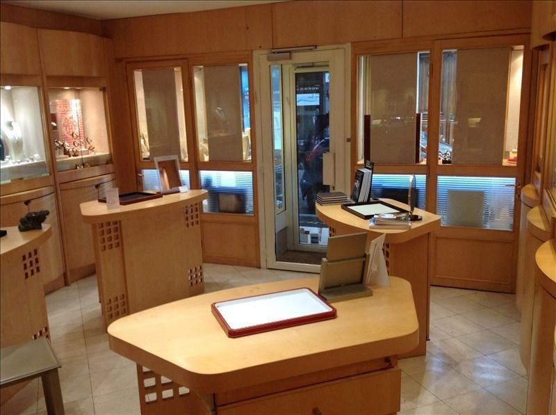 Commercial property sale shop Paris 8ème 270000€ - Picture 1