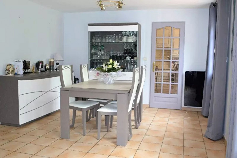 Sale house / villa Lesigny 370 000€ - Picture 3