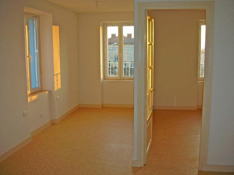 Location appartement Landos 266,75€ CC - Photo 1