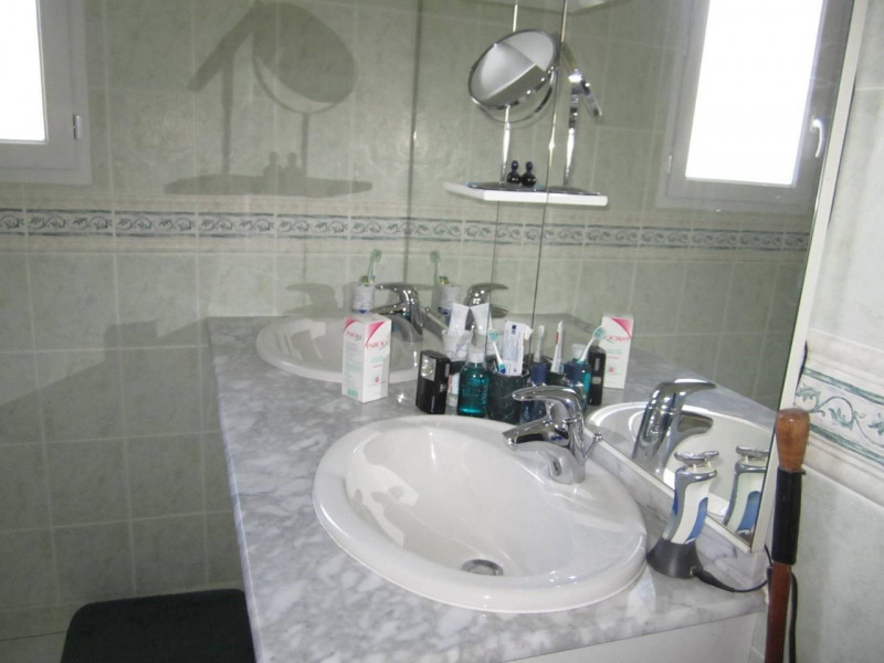 Sale house / villa Baignes-sainte-radegonde 178500€ - Picture 5