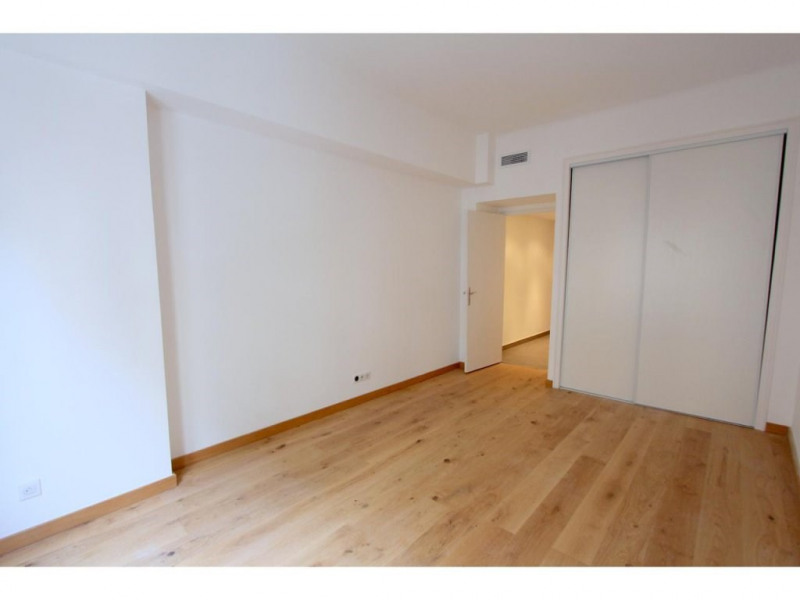 Sale apartment Nice 385000€ - Picture 2