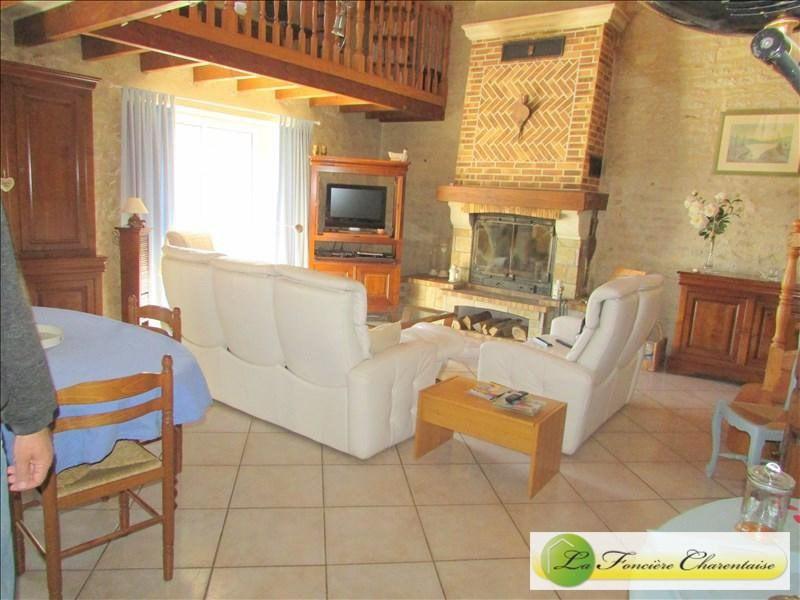 Vente maison / villa Villefagnan 328000€ - Photo 4