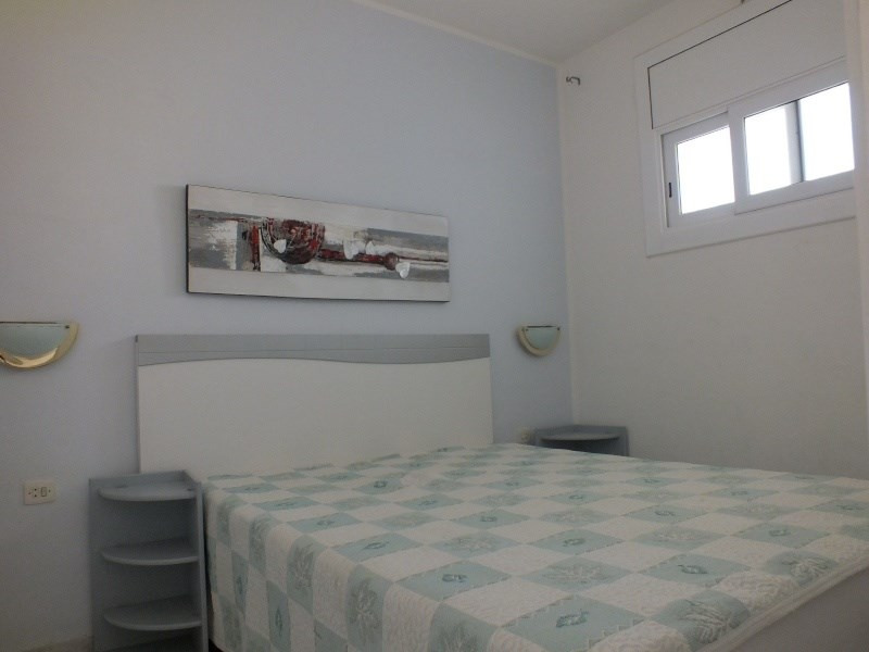Location vacances appartement Roses santa-margarita 296€ - Photo 13