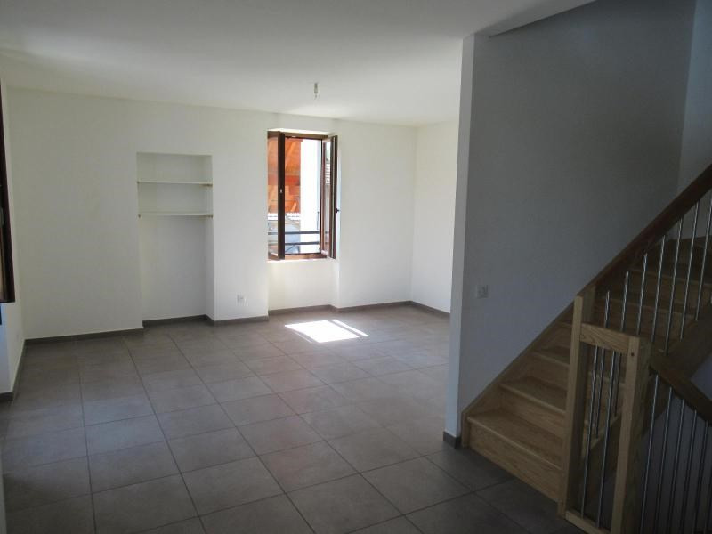 Location appartement Reignier-esery 1465€ CC - Photo 2