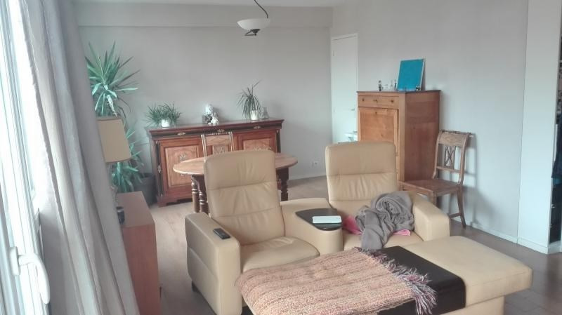 Sale apartment Poissy 212 500€ - Picture 1