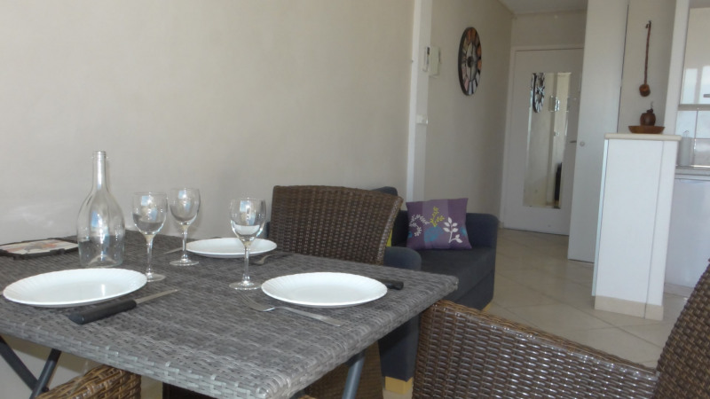 Location vacances appartement Cavalaire 750€ - Photo 4