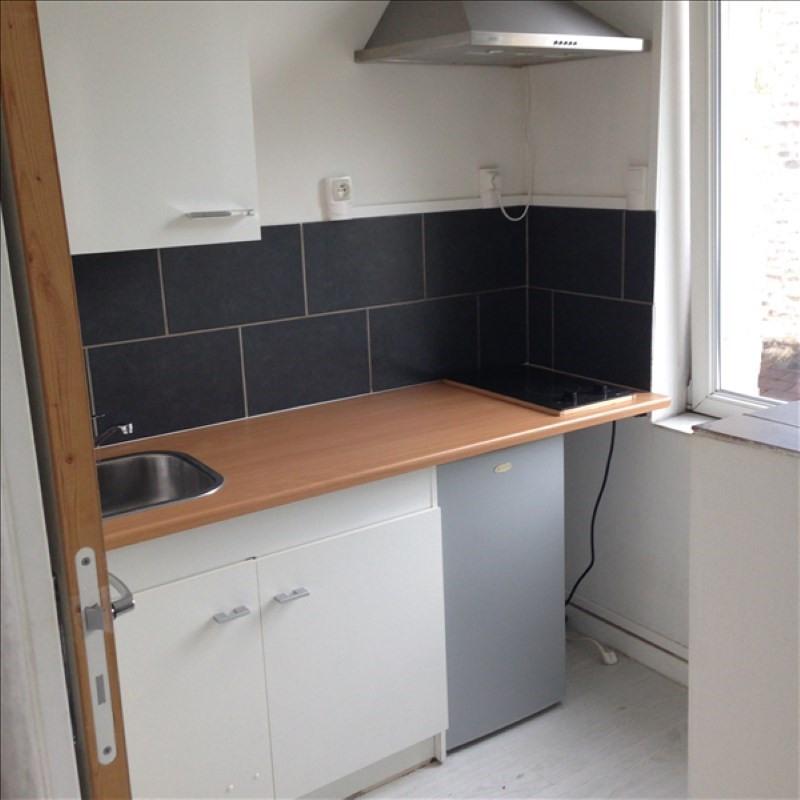 Rental apartment St quentin 330€ CC - Picture 3