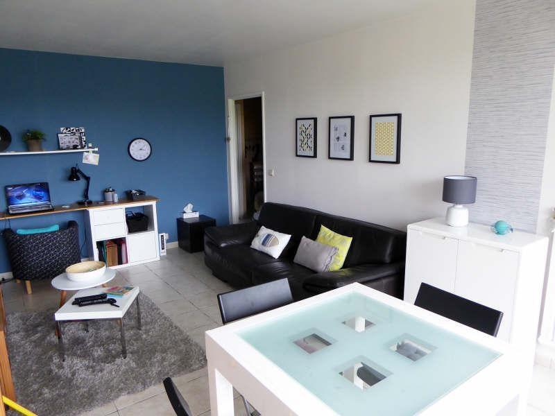 Sale apartment Maurepas 180000€ - Picture 1