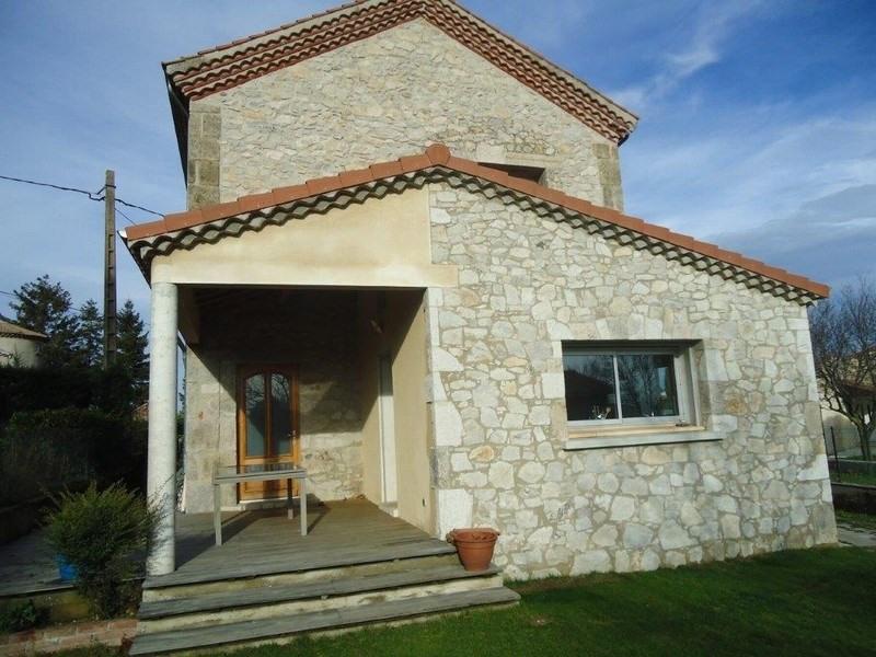 Maison en pierre Eclassan