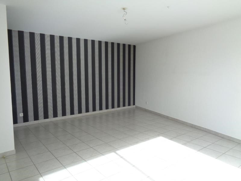 Location appartement Grezieu la varenne 837€ CC - Photo 2