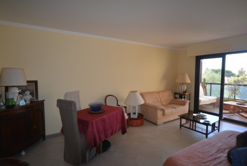 Sale apartment Golfe-juan 298 000€ - Picture 2