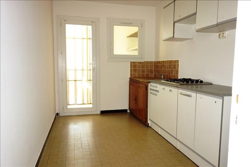 Location appartement La crau 628€ CC - Photo 3