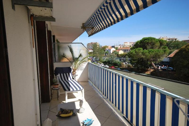 Sale apartment Juan-les-pins 212000€ - Picture 1
