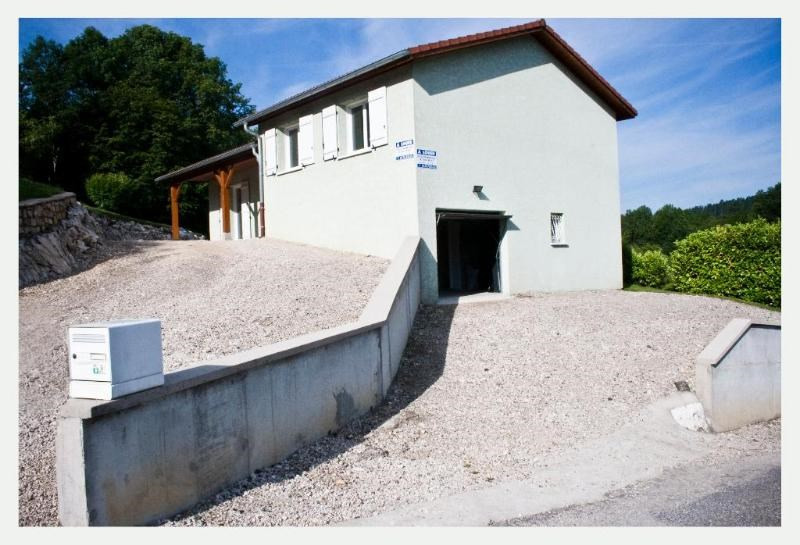 Location maison / villa Ceignes 772€ CC - Photo 1