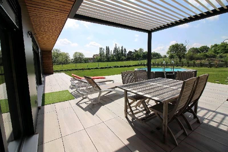 Deluxe sale house / villa Brindas 675000€ - Picture 1