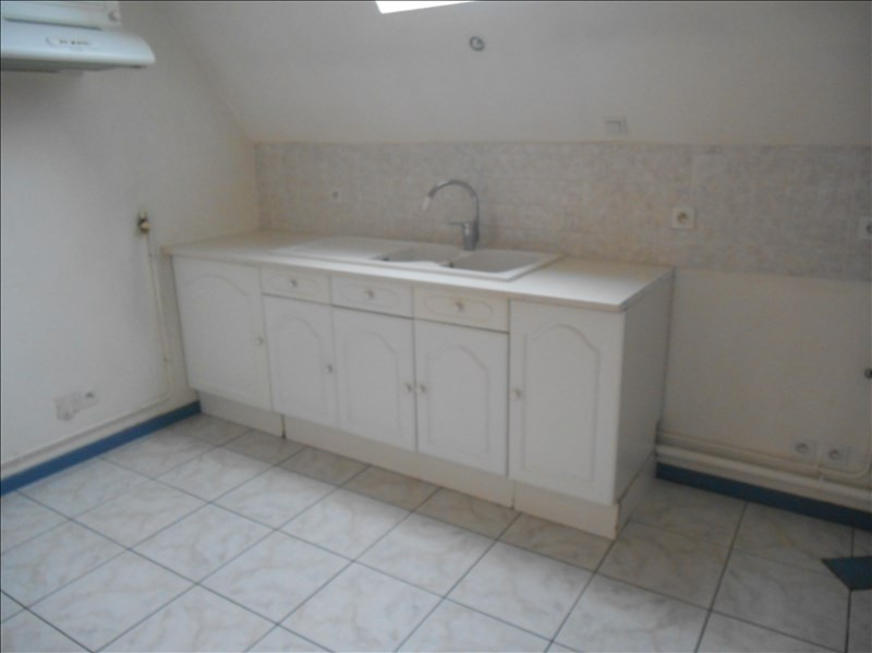 Location appartement 10000 450€ CC - Photo 3