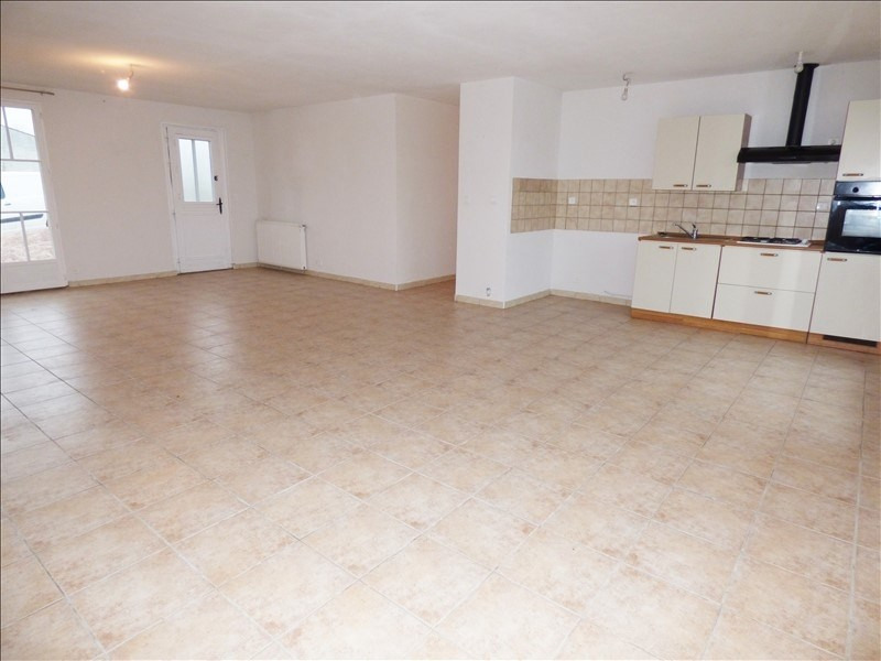 Vente maison / villa Charroux 148 000€ - Photo 3