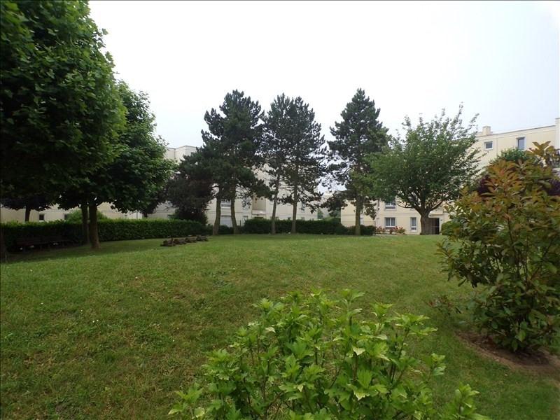 Sale apartment Montigny le bretonneux 231000€ - Picture 1