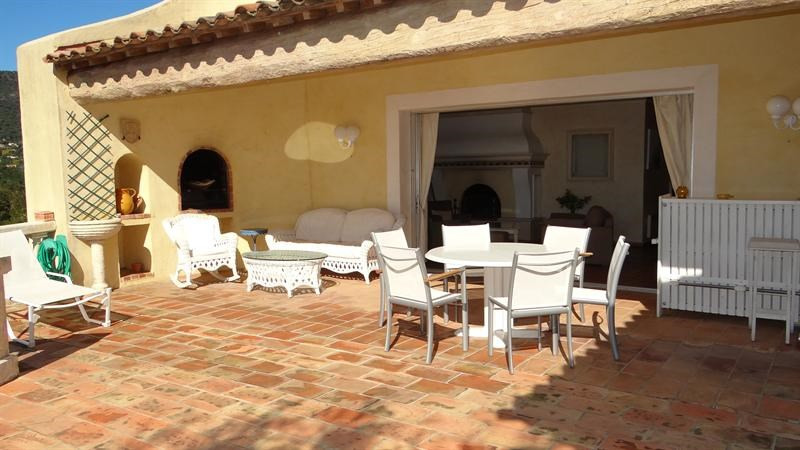 Vacation rental house / villa Cavalaire sur mer 1 000€ - Picture 11