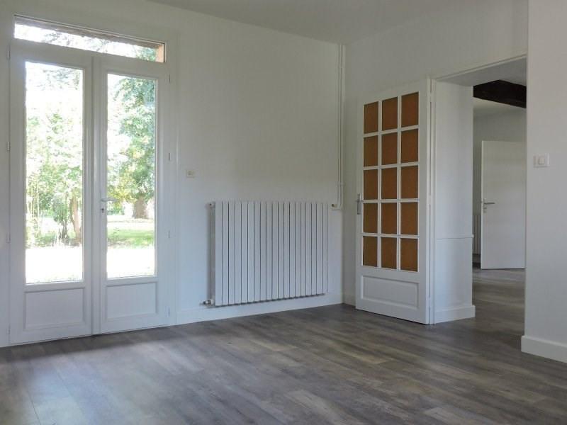 Rental house / villa Le passage 950€ CC - Picture 4
