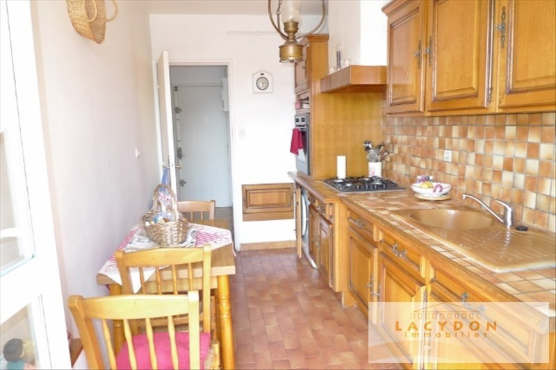 Location appartement Marseille 13ème 870€ CC - Photo 2