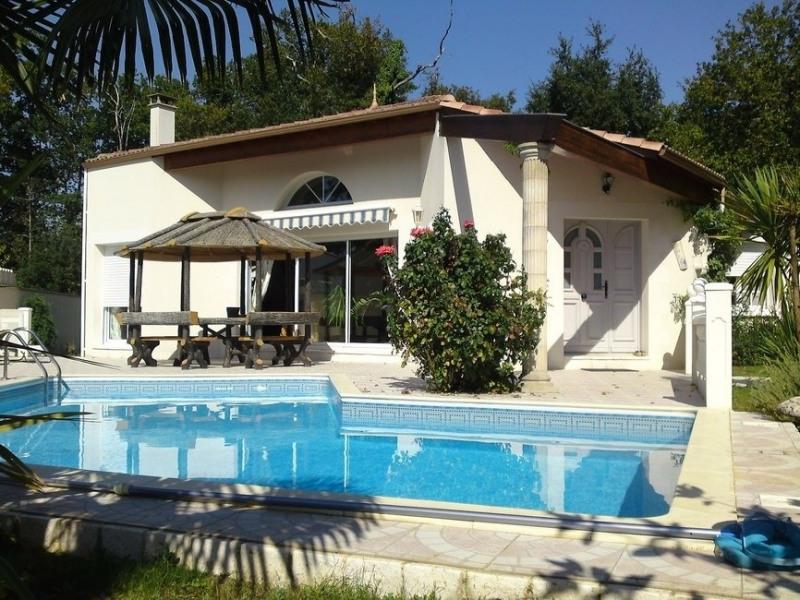 Sale house / villa Chaillevette 389750€ - Picture 1