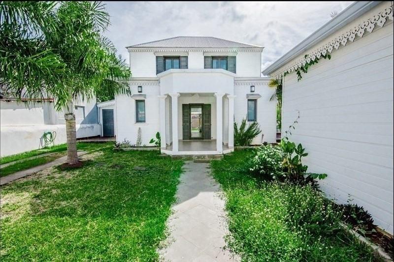 Rental house / villa St denis 3600€ CC - Picture 1