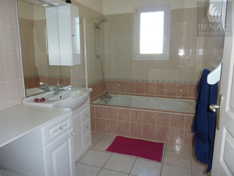 Location maison / villa Briatexte 755€ CC - Photo 6