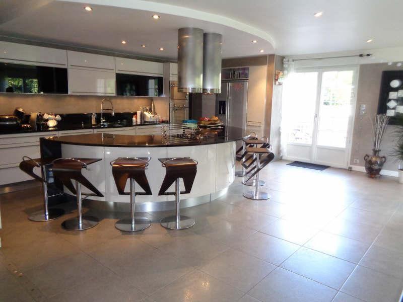 Deluxe sale house / villa Lesigny 798000€ - Picture 3