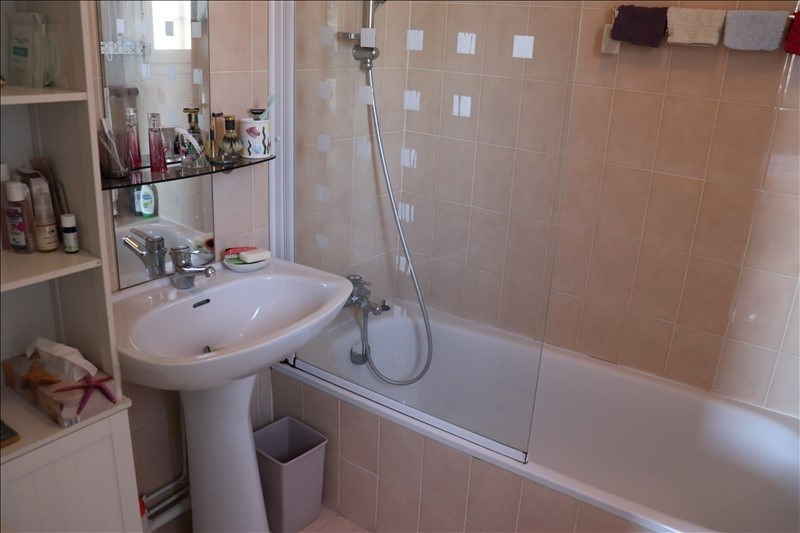 Sale house / villa Cavalaire sur mer 398000€ - Picture 9