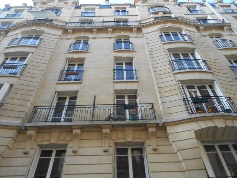 Rental apartment Paris 14ème 1310€ CC - Picture 1