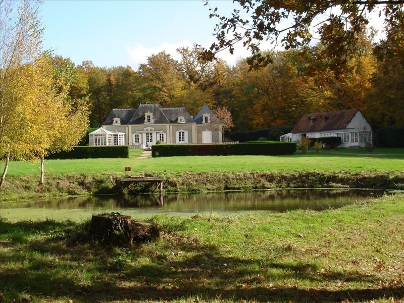 Deluxe sale house / villa Vineuil 703 000€ - Picture 1