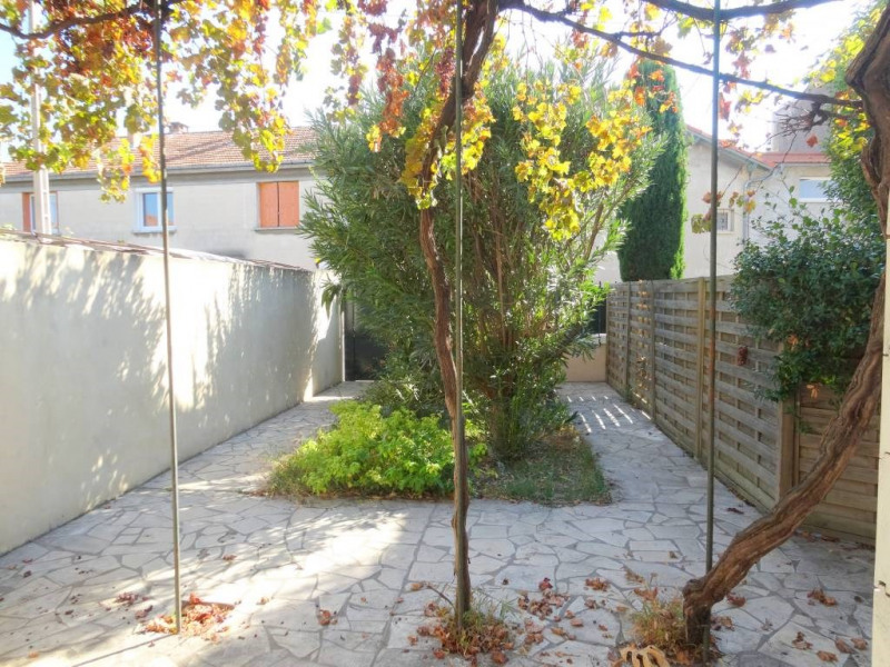 Rental house / villa Avignon 900€ CC - Picture 1